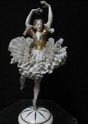 Антикварные статуэтки,  статуэтка балерины,  статуэтки из фарфора