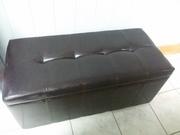 Скамейка-пуф для клиентов в кабинете
