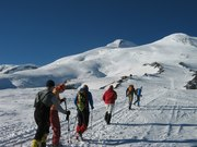 Эльбрус Западный (5642 м) с юга по классическому пути