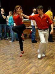 Приглашаем Вас на танцевальные занятия по развитию женственности.